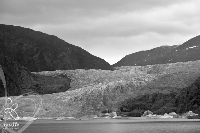 Mendanhall glacier in Juneau houston photography